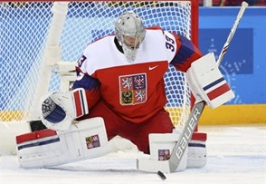 GANGNEUNG, SOUTH KOREA - FEBRUARY 18: The Czech Republic's Pavel Francouz #33 makes the save during preliminary round action against Switzerland at the PyeongChang 2018 Olympic Winter Games. (Photo by Andre Ringuette/HHOF-IIHF Images)